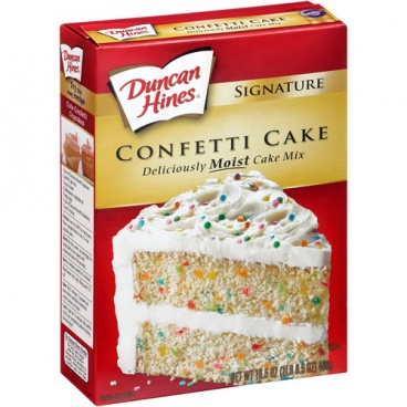 Duncan Hines Signature Moist Deluxe Confetti Cake Mix 468g